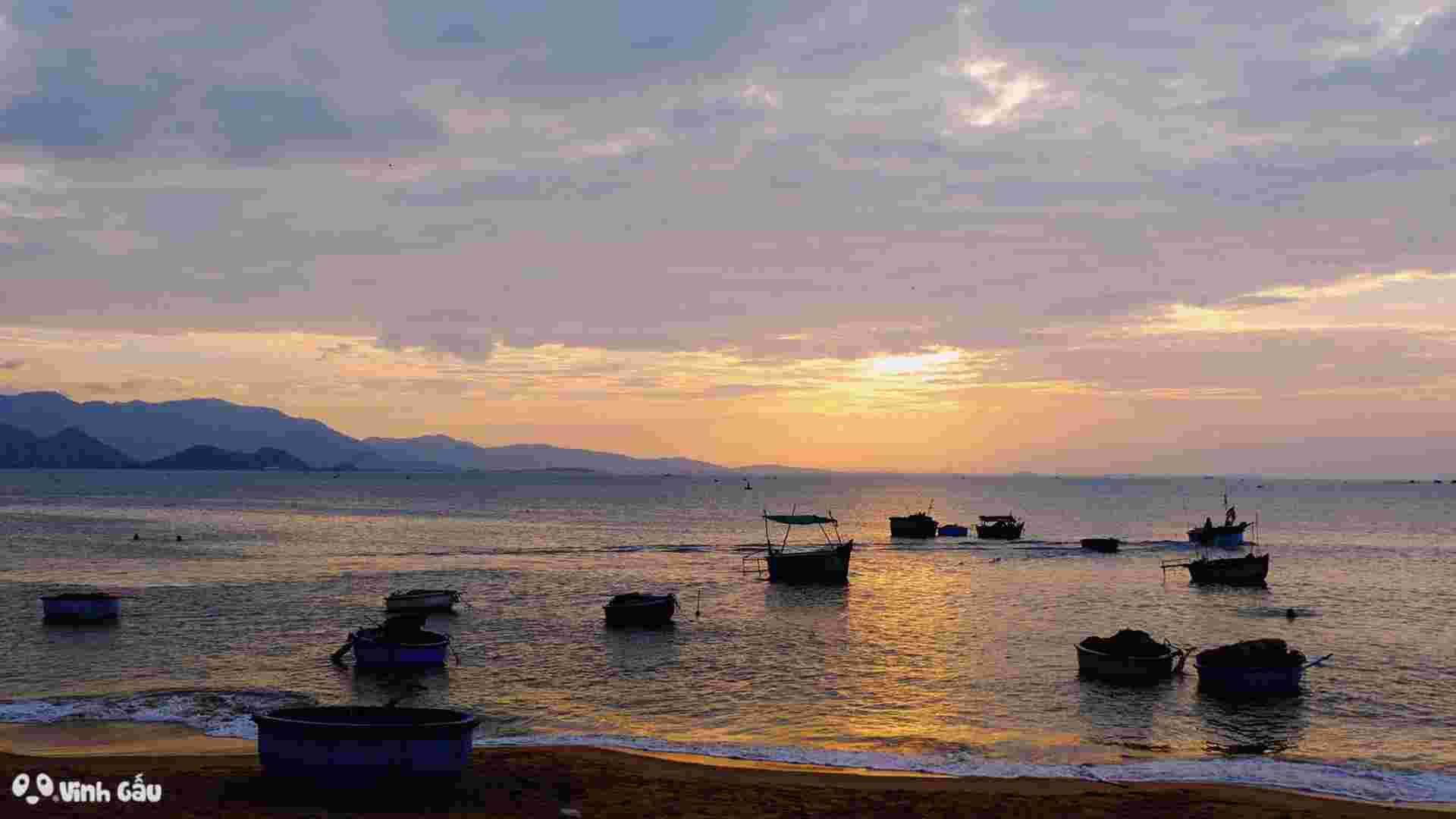 Bãi Biển Bình Sơn